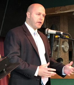 Hunter Hill speaks at a United Tea Party of Georgia meeting